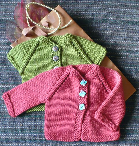 Cabin Fever 622 Top Down Last Minute Baby. Uses Worsted/Aran #4 weight yarn. Sizes Preemie to 6 months.