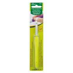 Clover Amour 7.00 mm/US 10.5-11 Crochet Hook