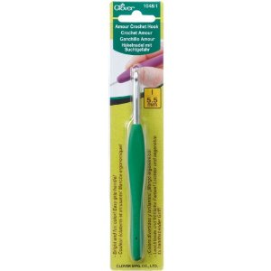 Clover Amour 5.50 mm/US I or 9 Crochet Hook