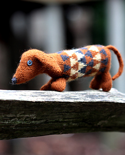 Baa Ram Ewe Dashing Dachshund. Using #1/4 Ply weight yarn.