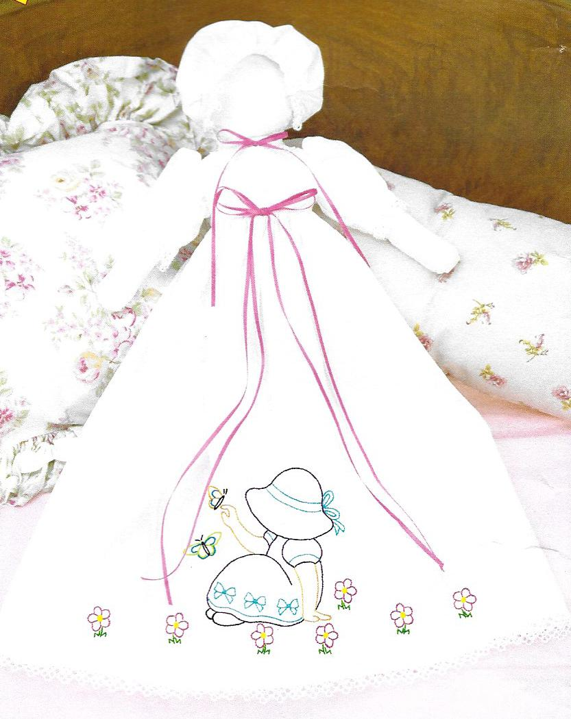 Jack Dempsey Sunbonnet Sue Pillowcase Doll 1900-891 Stamped for Embroidery