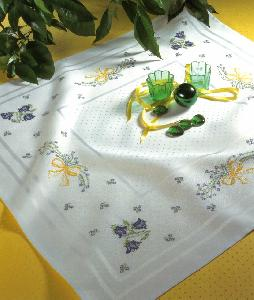 Zweigart 2453/1 Largo Center Tablecloth